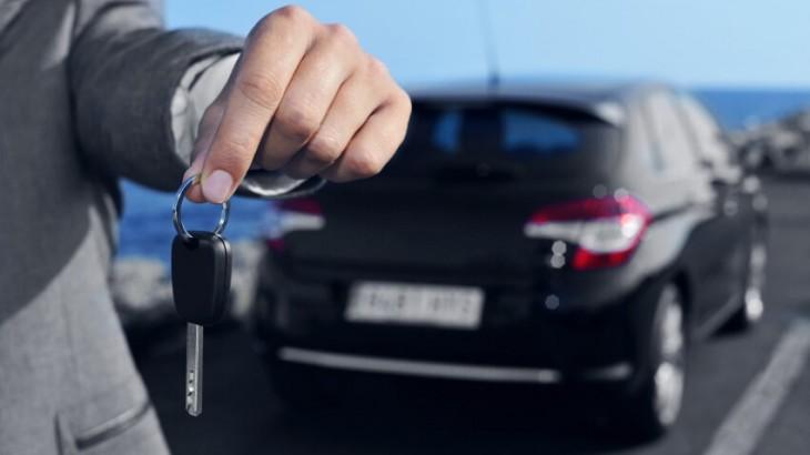 Neuwagen-Rabatte auf Höhepunkt – Autokreditzinsen auf Tiefpunkt