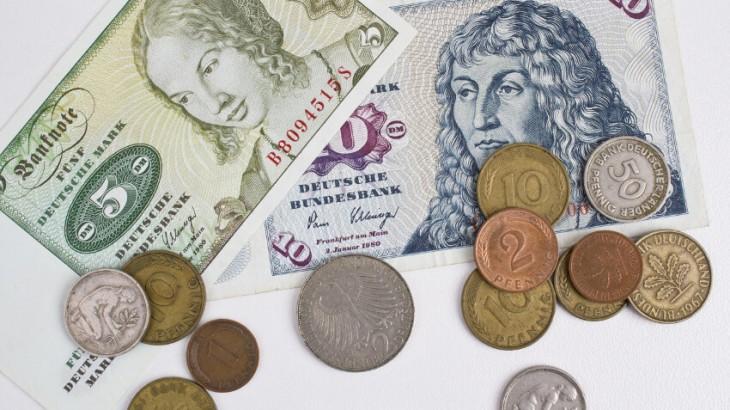 D-Mark Scheine und Münzen