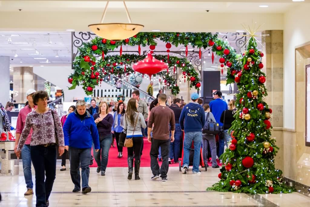 Risiko Weihnachtseinkauf: 12 Millionen Deutsche finanzieren Weihnachtseinkäufe per Dispo für über 8 Prozent Zinsen
